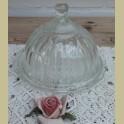 Kleine glazen brocante stolp, stolpje met onderschotel